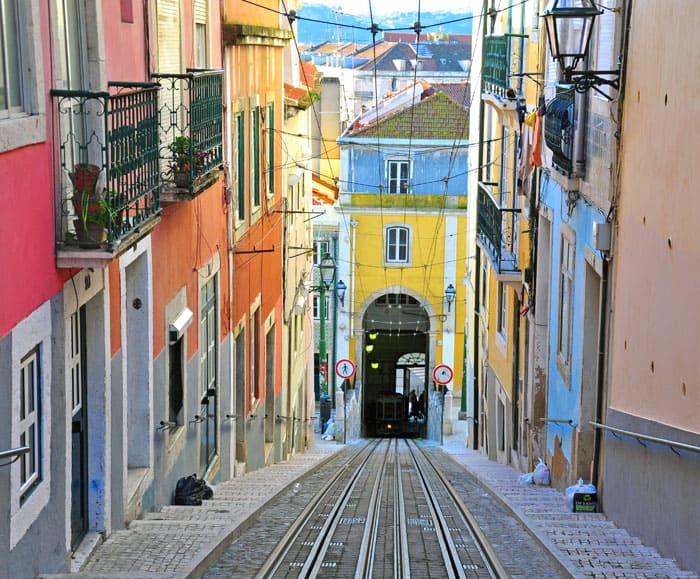Selvom Lissabon er en storby med 2,7 mio. indbyggere, så findes der alligevel mange hyggelige gader