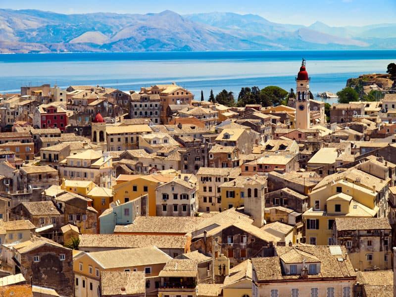 Flotte hustage på Korfu