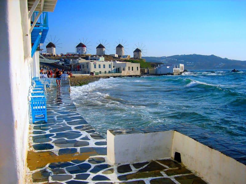 I byen Mykonos finder du de ikoniske vindmøller